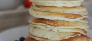 fluffy pancakes breakfast bed romance valentines day