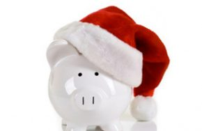 piggy-bank-with-a-santa-hat-on.jpg 614404 pixels
