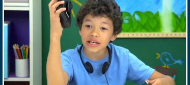 1 KIDS REACT TO WALKMANS Portable Cassette Players - YouTube