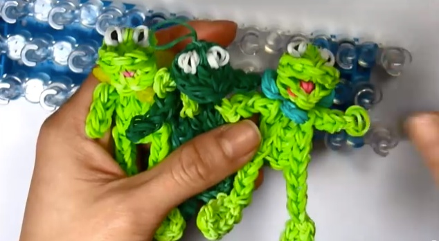 Rainbow Loom band charms   KERMIT the FROG Charm  Muppets  - YouTube