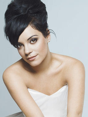 7172cf3fcc503d Lily Allen has revealed that she wrote her latest song, Something's Not  Right in honour of her stillborn son. The singer shared the touching story  behind ...