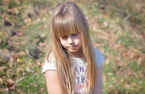 5 red flags your child has low self esteem