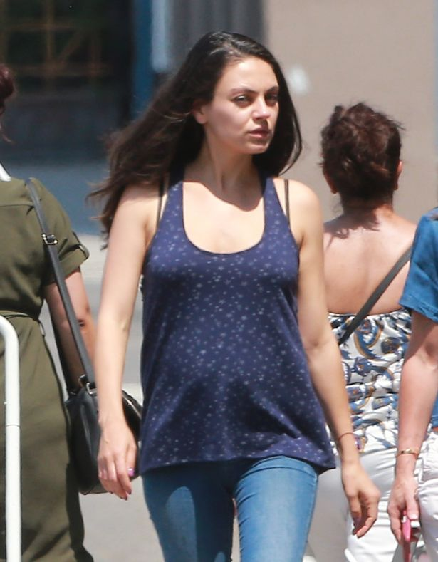 Mila Kunis Is Unapologetic About Breastfeeding In Public ...